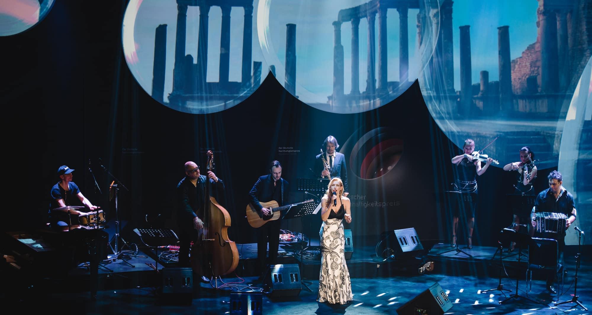 Ute Lemper und das Berliner Show Orchestra beim Deutschen Nachhaltigkeitspreis