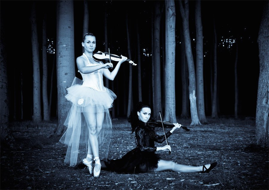 Angelstrings - The Dancing Violin Show